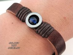 Simple leather bracelet with blue stone inlaid