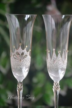Royal wedding flutes, King and Queen crown, Bride Groom Glass, Wedding Flutes Set, Anniversary Toasting Flutes, Mr and Mrs Wedding Glasses by WeddingBay on Etsy