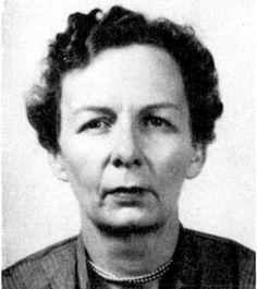 La geóloga y paleontóloga Helen Margaret Duncan (1910-1971) nació un 3 de mayo.
