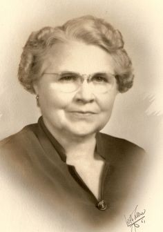 Minnie Mabel Abbott (1890 - 1981) 1st cousin 1x removed of wife of brother-in-law of sister-in-law of 1st cousin of wife of grand nephew of wife of 2nd cousin 6x removed