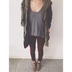 gray Leggings maroon top uggs