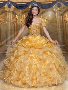 Quinceanera gowns - Quinceanera is a tradition which initially came from the Latin America, and also it represents the Girl's transformation from a kid to an adolescent. Sweet 16 Dresses, Cute Dresses, Beautiful Dresses, Flower Girl Dresses, Bridesmaid Dresses, Prom Dresses, Wedding Dresses, Dress Prom, Mehndi Dress