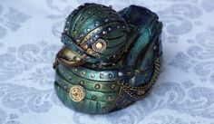 steampunk rubber ducky ... had to pin it. My daughter loves duckies.