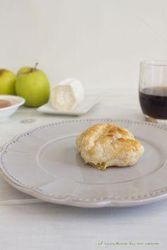Hojaldre de compota de manzana, foie y queso de cabra