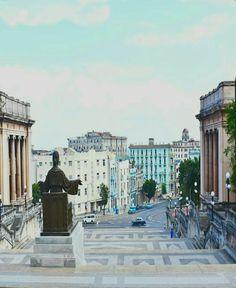 Escalinatas de La Universidad  de La Habana Cuba