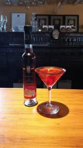 We have been experimenting with making Icewine martinis. Our latest creation was using 2014 Cabernet Franc. oz Rose Gin oz Cranberry Juice oz Cabernet Franc Icewine Rim the glass with dark chocolate and garnish with an orange slice Wine Cocktails, Alcoholic Drinks, Ice Houses, Cranberry Juice, Orange Slices, Hot Sauce Bottles, Gin, Chocolate, Tableware