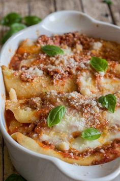 Crepe Cannelloni with Meat Sauce, homemade Cannelloni made easy and delicious. A simple savory crepe filled with a meat sauce, Mozzarella and Parmesan cheese, and baked to Perfection! Crepe Cannelloni with Meat Sauce The first Italian Pasta, Italian Dishes, Italian Recipes, Beef Recipes, Cooking Recipes, Pasta Recipes, Italian Foods, Italian Cooking, Pasta Meals
