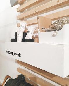 El refugio más bonito para un día de lluvia @pessebremarket Os esperamos!  #heroinejewels #jewels #jewelry #jewellery #jewelrydesign #handmadejewelry #handmade #ring #rings #gold #silver