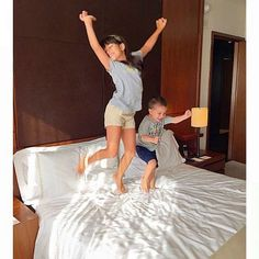 A review of the family-friendly Langham Place, New York Hotel, located in midtown Manhattan. Amenities galore, plus convenient to the Empire State Building, Times Square, Grand Central, Bryant Park and more.
