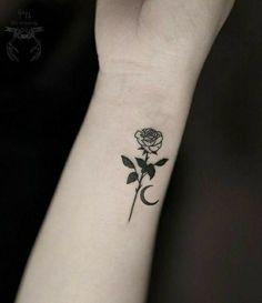 Tattoos on neck Mini Tattoos, Flower Tattoos, Body Art Tattoos, New Tattoos, Small Tattoos, Sleeve Tattoos, Foot Tattoos, Pretty Tattoos, Cute Tattoos
