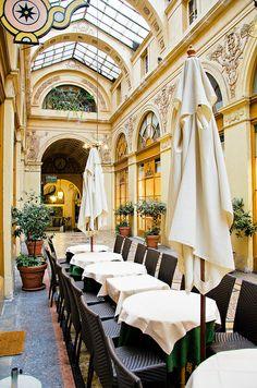 ...Galerie Vivienne ~ Paris 2ème arrondissement...