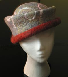 tilted hat- wonderful shape and colors Nuno Felting, Needle Felting, Felt Hat, Wool Felt, How To Make Fascinators, Dandelion Art, Love Hat, Cool Hats, Hat Making