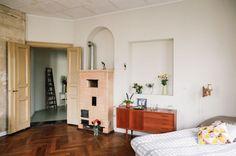 http://keltainentalorannalla.blogspot.com.au/2012/12/persoonallisia-koteja-ja-jouluideoita.html