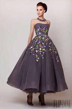 Azzi & Osta Printemps-été 2015 - Haute couture - http://fr.flip-zone.com/fashion/couture-1/independant-designers/azzi-osta-5574