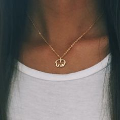 Circle Necklace with Dangling Bezel Set Diamond / Thin Gold Choker / Open Circle Chain Choker Necklace / Available in Gold / White Gold / Rose Gold Features ✔ Made to Order. ✔ Gold Kt: Solid Gold ✔ Available Gold Color: Rose Gold, Yellow Gold, Wh Gold Chain Choker, Gold Plated Necklace, Mens Sterling Silver Necklace, Silver Jewelry, Diamond Solitaire Necklace, Circle Necklace, Beautiful Necklaces, Elephant Outline, Jewelry Necklaces