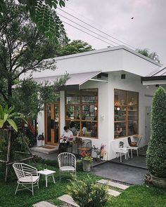 Jompop Yonokpant (@guidelline) • Instagram photos and videos Small Coffee Shop, Coffee Shop Design, Cafe Interior Design, Cafe Design, Cafe Restaurant, Restaurant Design, Wood Deck Plans, Exterior Design, Interior And Exterior