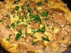Фото приготовления рецепта: Свиные языки с вешенками - шаг №5