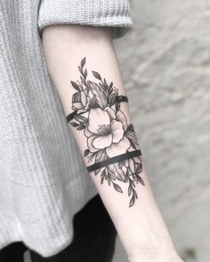 Nature Tattoo Cover Up 62 Ideas For 2020 Half Sleeve Tattoos Forearm, Wrist Band Tattoo, Wrist Tattoo Cover Up, Cuff Tattoo, Diy Tattoo, Cover Up Tattoos, Sleeve Tattoos For Women, Wrist Tattoos, Body Art Tattoos