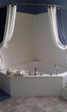 Small bathtub shower combo corner garden tub bathtubs bath acrylic bathtub shower combo small for tiny house tub shower combo Bathtub Shower Combo, Bathroom Tub Shower, Small Bathroom, Corner Tub Shower Combo, Master Bathroom, Small Bathtub, Basement Bathroom, Corner Jacuzzi Tub, Jacuzzi Tub Decor