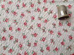 Tiny Roses VINTAGE 30-50s Floral Seersucker Cotton Fabric 65x32w Doll Dressing