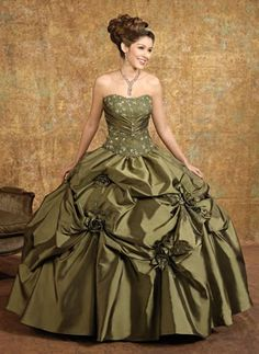 I'm not sure how I feel about the strapless thing, but this is the frontrunner. In green? Wine? Chocolate?