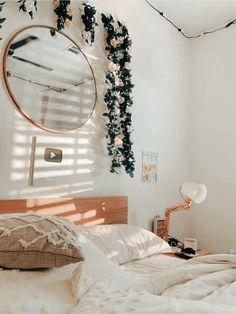 Cute Bedroom Decor, Room Design Bedroom, Stylish Bedroom, Room Ideas Bedroom, Bedroom Styles, Bedroom Inspo, Aesthetic Room Decor, Fashion Room, Dream Rooms