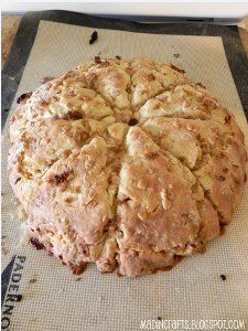 A delicious scone recipe can be modified countless ways and can be made to suit your palette. Try these delicious English Toffee Scones from Jessica at Mad in Crafts for her delicious take on scones. Made with Heath bar toffee, they are incredible! Easy Cooking, Cooking Recipes, Easy Recipes, Oven Recipes, Brunch Recipes, Breakfast Recipes, Scone Recipes, Sweet Scones Recipe, Breakfast Scones