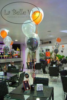 Oi Pessoal!   Essa decoração foi um desafio para nós, pois a Vanessa, mãe do Miguel, é de belo Horizonte e a festa de 3 anos do Miguel foi r...