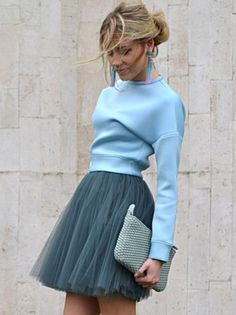Matching different tones is such a great way to create a fashionable look. The ballerina skirt here adds texture. It all looks amazing! Why Ballerina Skirt and the Biggest Trend of 2018 Trend Fashion, Fashion Mode, Look Fashion, New Fashion, Fashion Outfits, Womens Fashion, Jackets Fashion, Fashion Skirts, Woman Outfits