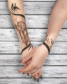 Amazing henna art for arm by @rabbyy_mehndi #mehndi #mehndidesign #henna #hennadesign #hennatattoo