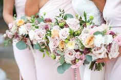 Garden wedding bouquets. blush flowers, antique pink rose, eucalyptus, gold garden roses make these bouquets look like the garden has come to you Garden Party Wedding, Spring Wedding, Wedding Blog, Dream Wedding, Wedding Day, Garden Weddings, Bridesmaid Bouquet, Wedding Bouquets, Flower Bouquets