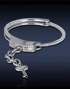Captive Love Cuff Bracelet with 2.95ct Pave Set White Diamonds Smycken 709e819e8f3ca
