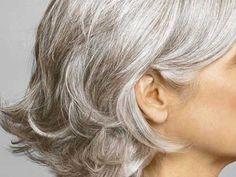 Cómo quitar el color amarillo de las canas, trucos caseros para que puedas quitar el tono amarillento del pelo blanco