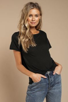Add the Caroline Back Tie Black Tee to your weekend rotation. This casual short sleeve shirt features a crew neckline, relaxed short sleeves, and a ba Blonde Hair Looks, Brown Blonde Hair, Platinum Blonde Hair, Light Brown Hair, Medium Blonde, Sand Blonde Hair, Honey Brown Hair Color, Blonde Honey, Golden Blonde Hair