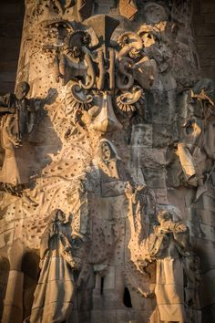 Antoni Gaudi - La Sagrada Familia, Barcelona, España.
