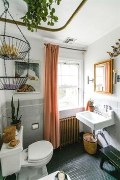 Coral in the bathroom #InteriorDesignIdeas