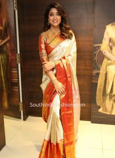 Shriya Saran in a Kanjeevaram saree at VRK Silks Launch shriya saran cream color pattu saree with three fourth sleeves blouse vrk silks shopping mall launch 1 Wedding Saree Blouse Designs, Fancy Blouse Designs, Saree Wedding, Bridal Sarees South Indian, Saree Poses, Wedding Saree Collection, Dress Indian Style, Indian Dresses, Indian Outfits