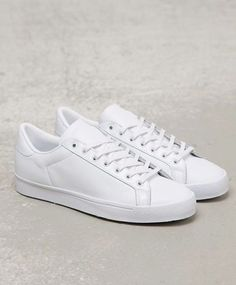 pretty nice 90594 e39a8 Plain White Sneakers, Running Sneakers, Men s Sneakers, Adidas Running  Shoes, Sneakers For