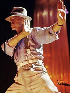 Under the moonlight, the serious moonlight: David Bowie, by Denis O'Regan David Bowie, Glam Rock, The Thin White Duke, Major Tom, Ziggy Stardust, Lets Dance, David Jones, Twiggy, Classic Rock