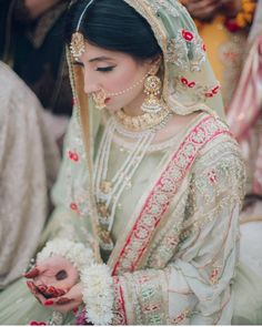 Old school vibes. Pakistani Fashion Party Wear, Pakistani Wedding Dresses, Pakistani Dress Design, Bridal Outfits, Wedding Hijab, Hijab Bride, Bridal Sarees, Stylish Dresses For Girls, Boyfriends