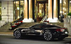 The Aston Martin is one of the most elegant grand tourer supercars available. Available in a couple or convertible The Aston Martin has it all. Car Images, Car Photos, Car Pictures, Bing Images, Aston Martin Vulcan, Aston Martin Vantage, Pagani Zonda, Rich Cars, Lunch Boxe