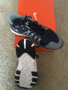 573f66bb79eb72 New in Box - Nike Boy running shoes Size (Big Kids)