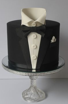 Tuxedo Cake is perfect as the Groom's Cake. - Tuxedo Cake is perfect as the Groom's Cake. Gorgeous Cakes, Pretty Cakes, Amazing Cakes, Unique Cakes, Creative Cakes, Fondant Cakes, Cupcake Cakes, Shoe Cakes, Rodjendanske Torte
