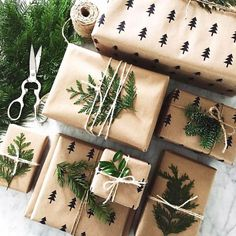 Last minute Christmas Gift Wrapping Ideas using twine Christmas Gift Wrapping, Diy Christmas Gifts, Winter Christmas, Christmas Time, Holiday Gifts, Christmas Decorations, Christmas Cookies, Christmas Packages, Last Minute Christmas Gifts