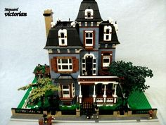 Mansard style Victorian House: A LEGO® creation by Boise Bro : MOCpages.com