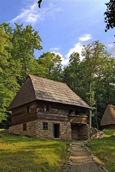 Avram-Iancu Romania Alba traditional romanian house - rural romanians didn't change much since the days when their country was called Dacia Rural House, Tiny House Cabin, Cabin Homes, Log Homes, Vernacular Architecture, Cabins And Cottages, Stone Houses, Traditional House, Old Houses