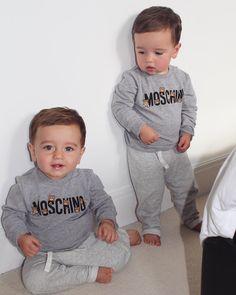 The Wilson Twins 📸💛👨👩👦👦 Twin Baby Boys, Twin Babies, Baby Kids, Twin Outfits, Baby Boy Outfits, Cute Twins, Cute Babies, Mode Instagram, Triplet Babies