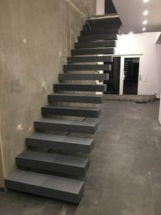 Home Stairs Design, House Design, Luxury Staircase, Beton Design, House Stairs, Sweet Home, New Homes, Loft, Staircases