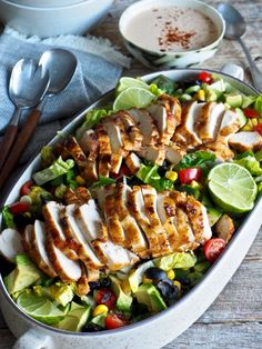 Tacosalat med kylling Veggie Recipes, Vegetarian Recipes, Healthy Recipes, Veggie Dinner, Protein Shake Recipes, Feeding A Crowd, I Love Food, Tex Mex, Healthy Snacks