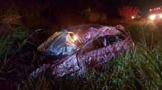 Acidente deixa uma vítima fatal na rodovia que liga Jaú a Mineiros - Foto: (Divulgação/Luizinho Andretto)  Dois acidentes aconteceram na noite desta quinta-feira (30), na rodovia Deputado Maurício Barroso de Sousa, que liga Jaú a Mineiros do Tietê (SP-304). Um homem morreu e outro ficou gravemente ferido.  De acordo com a Polícia Rodoviária, no primeiro uma - http://acontecebotucatu.com.br/regiao/acidente-deixa-uma-vitima-fatal-na-rodovia-que-liga-jau-mineiros/